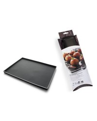 image: Silicone non spill baking mat