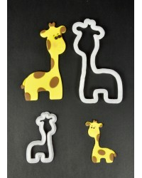 Fmm Mummy and Baby Giraffe Cutter set