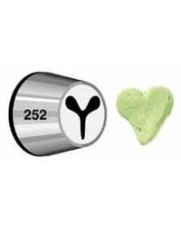 Medium Wilton icing nozzle speciality tip 252 for HEARTS