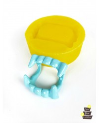 Vampire Teeth Silicone Mould for isomalt by Simi Cakes