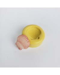 Small seashell silicone mould for isomalt by Simi Cakes
