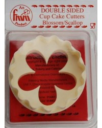 image: FMM cupcake cutter blossom & scallop