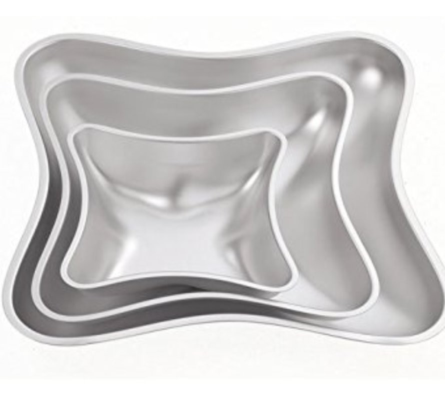 Specialty shaped cake pans