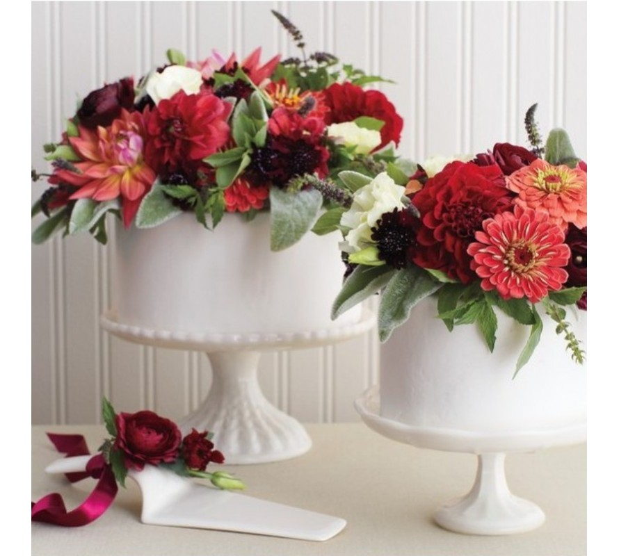 Want to put fresh flowers on your wedding or birthday cake? Use these