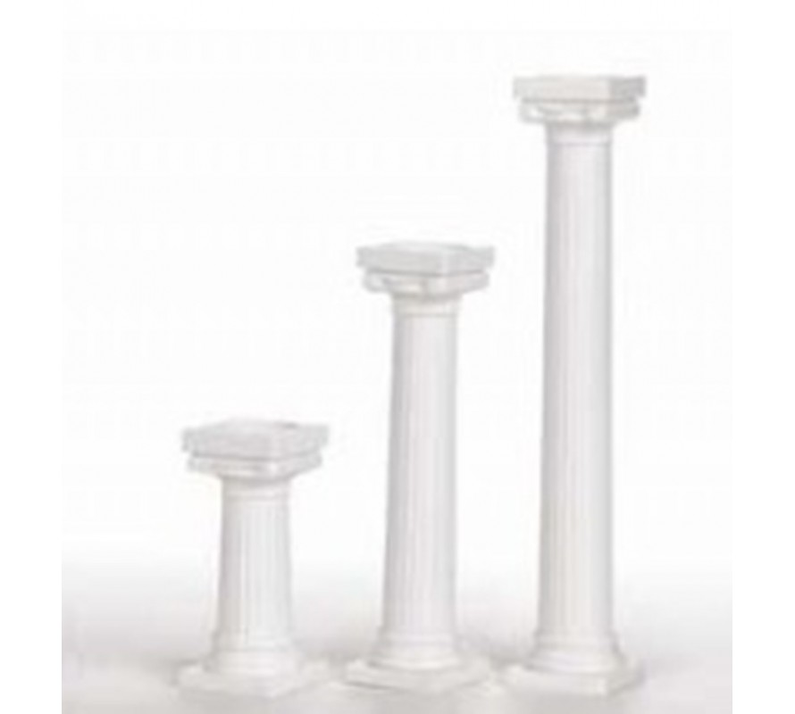 Cake pillars essential for tiered wedding cake construction